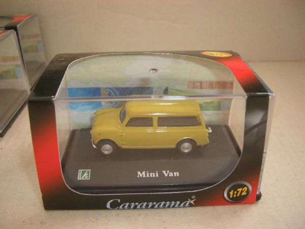 Cararama 1/72 Scale Leyland Mini Estate Van Countryman Green Brown Limeflower